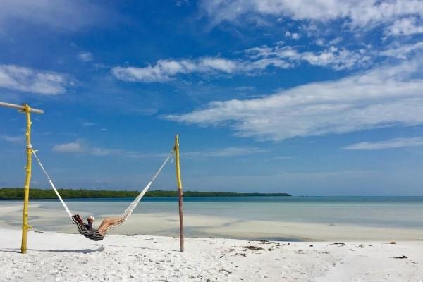 fasilitas Paket Satu Hari Pulau Leebong Belitung