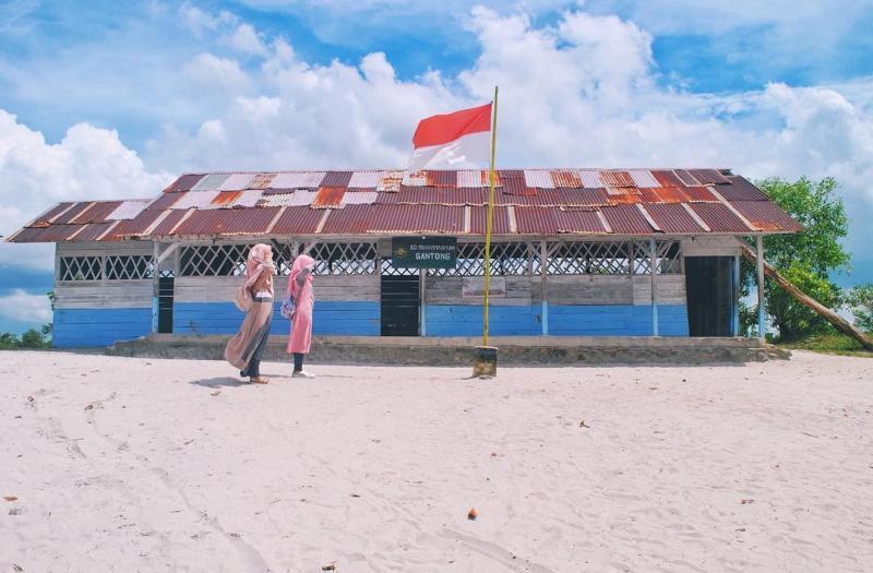 tempat wisata belitung laskar pelangi