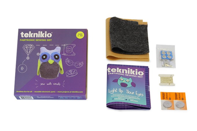 Custom packaging for the Teknikio sewing set.