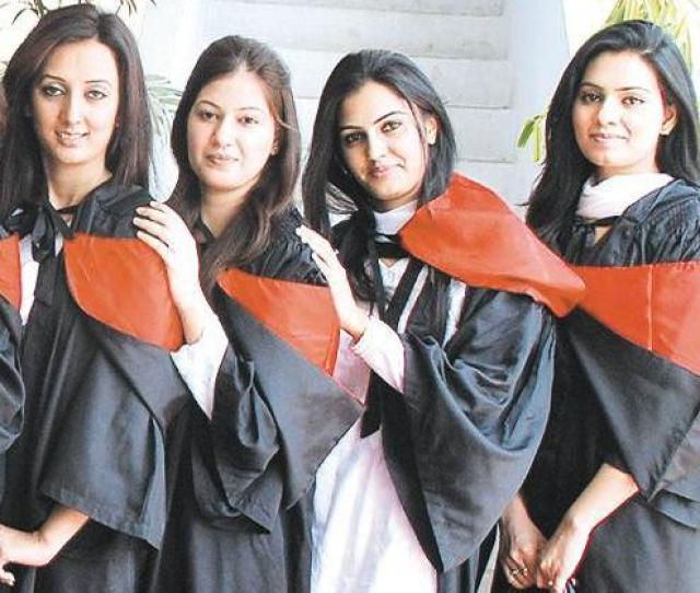 Margalla College Islamabad Girls Pics 2