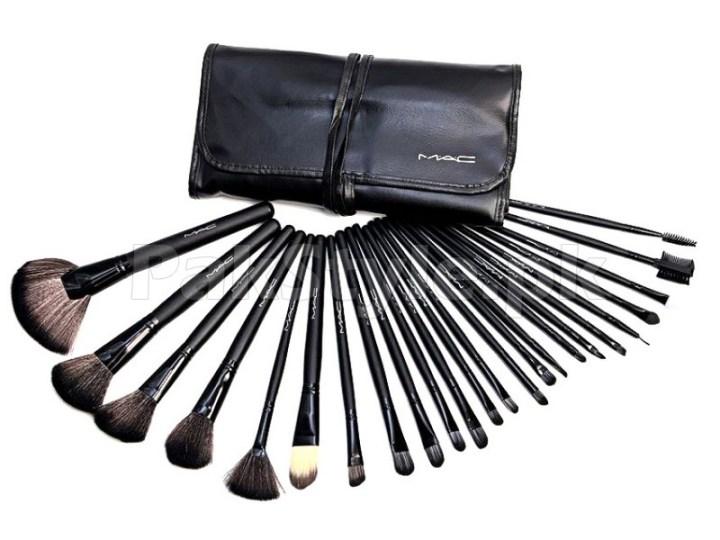 Mac 24 Pieces Makeup Brush Set