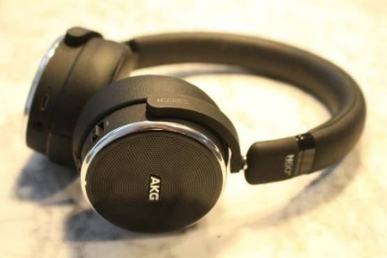 Price of Bluetooth headphone