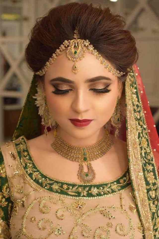 Famous beauty parlours in Lahore