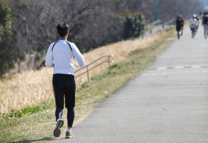 初心者 フルマラソン 完走 簡単 方法 キロ5分 キロ6分 キロ4分 持ち物 準備 女性 男性 ハーフマラソン