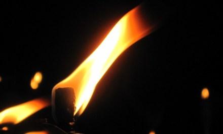 Taranto, 5 Ottobre 2012, ardono le fiaccole, si illumina il coraggio.