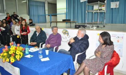 """I ragazzi dell'Istituto Comprensivo """"G.Rodari"""" incontrano l'autore Raffaele Nigro"""