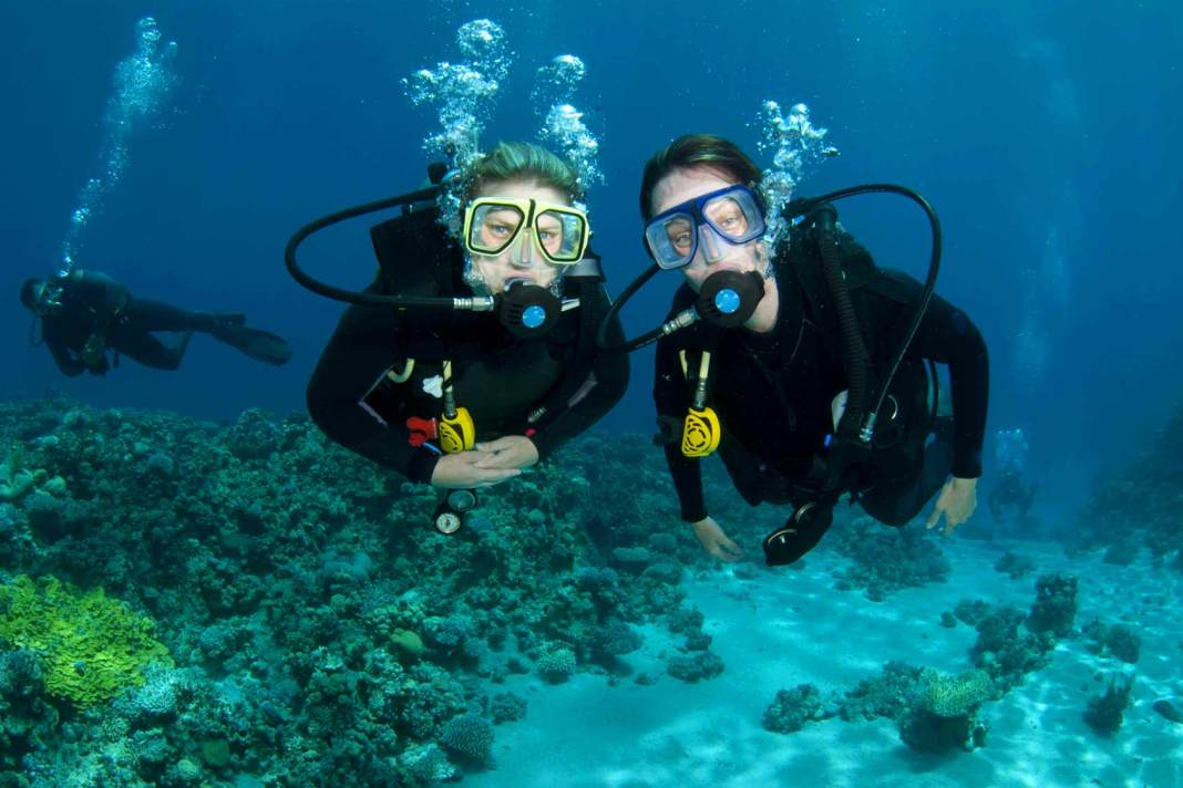 beginner-scuba-diving-lessons-el-nido