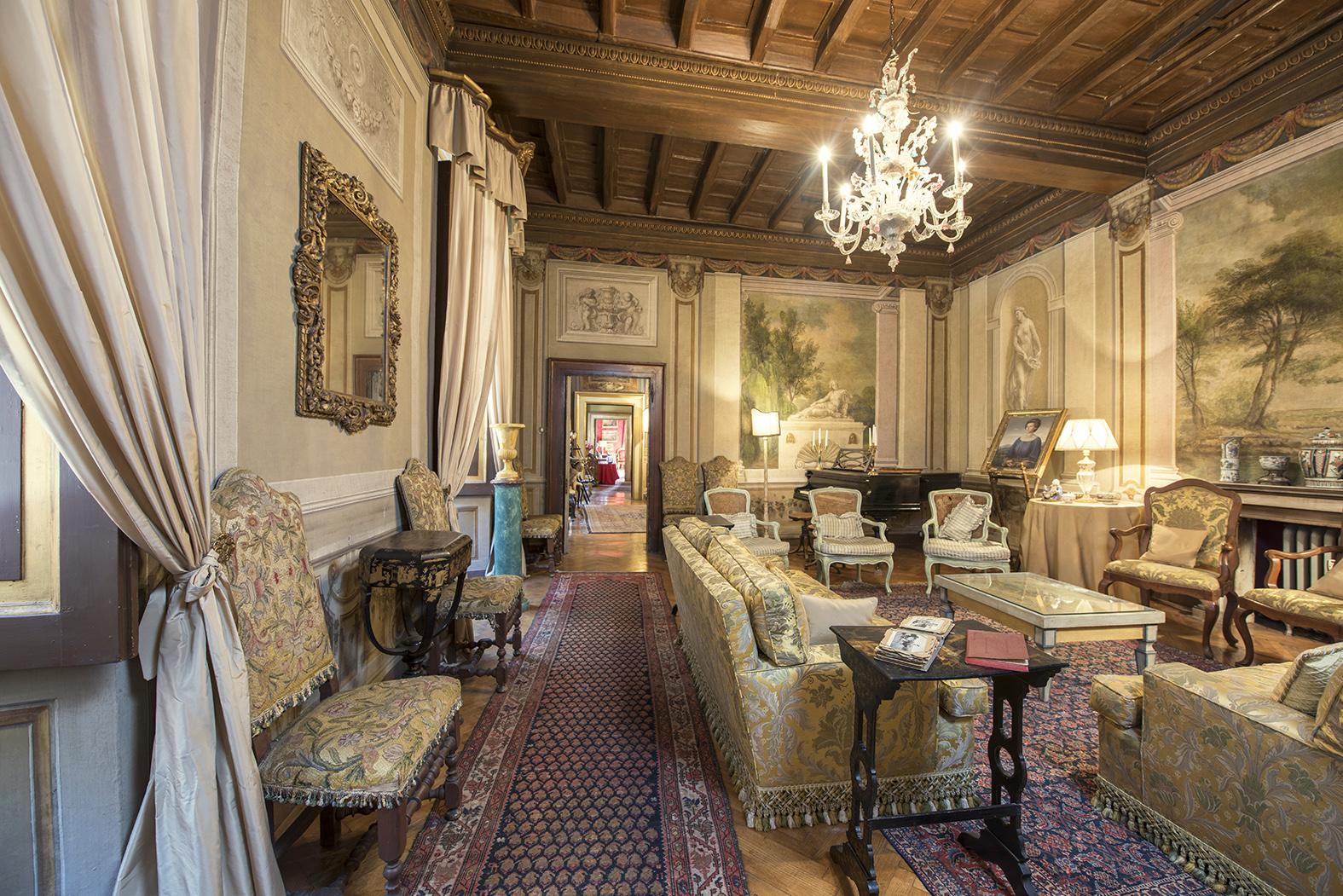 fuga dai pianoforti palazzo storico roma