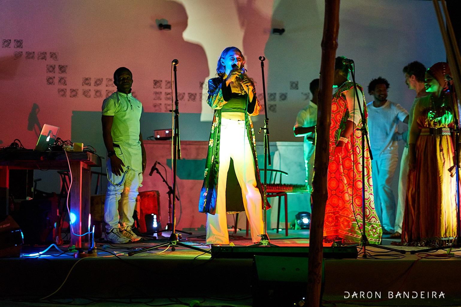 """MUSICA AFRICANA ED ELETTRONICA A """"FISH & DJS"""" AL MERCATO DEI PESCATORI DELLA DARSENA"""