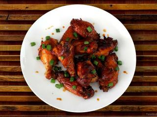 4-Ingredient Sweet Chili Hot Wings
