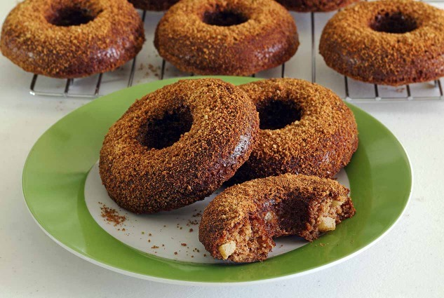 paleonewbie.com baked apple-cinnamon donuts - paleo and gluten-free