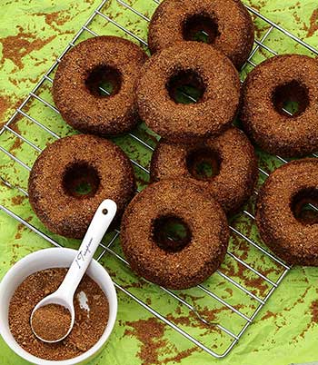 baked apple cinnamon paleo and gluten-free donuts from paleonewbie.com
