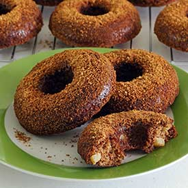 paleonewbie.com baked apple-cinnamon donuts recipe - paleo and gluten-free