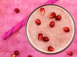 easy paleo recipe for a pomegranate smoothie