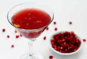 easy paleo recipe for pomegranate cocktail