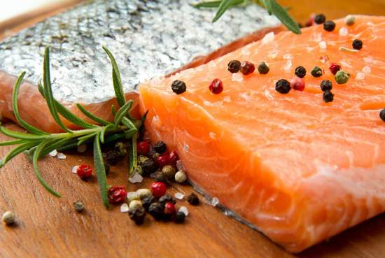 what is the safest seafood to eat according to the Environmental Working Group