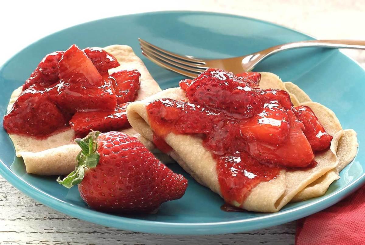 easy paleo recipe for paleo strawberry crepes