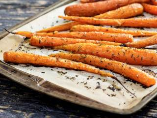 Easy Paleo Roasted Carrots