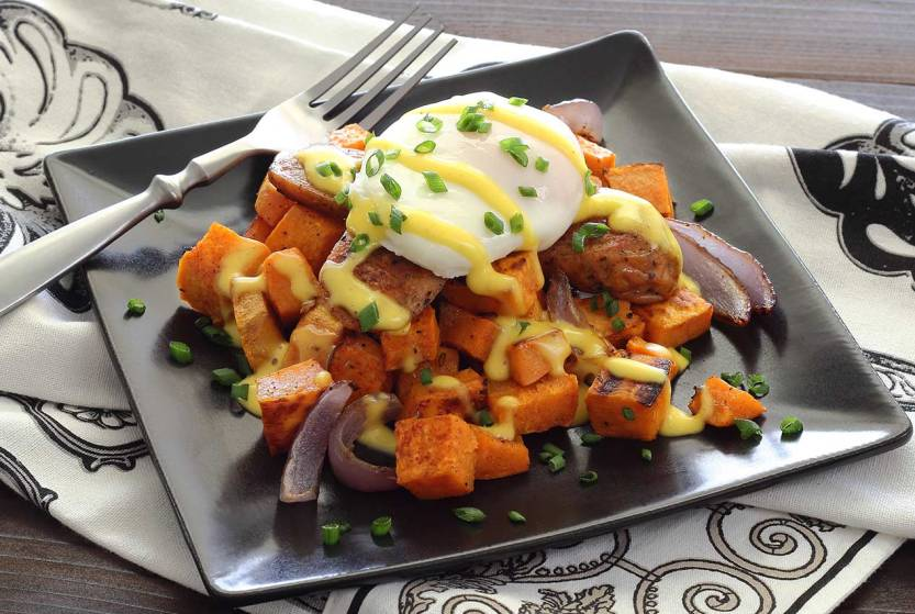 Simple paleo recipe for eggs benedict with paleo hollandaise sauce