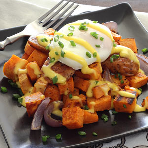 easy paleo recipe for eggs benedict with a paleo hollandaise sauce