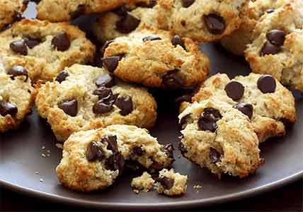 easy paleo recipe for Macadamia and Coconut Paleo Cookies