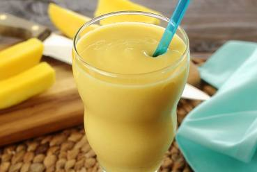 easy paleo recipe for a mango smoothie