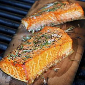 easy paleo recipe for plank grilled salmon