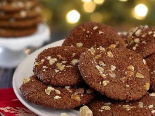 """Chewy"" Ginger Snap Paleo Holiday Cookies"