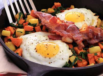 easy paleo recipe for a yam, apple and kale breakfast side