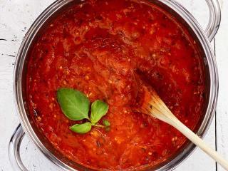 Fresh Tomato & Herb Paleo Marinara Sauce