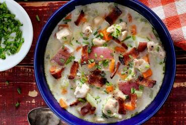 easy paleo recipe for a gluten-free chicken chowder