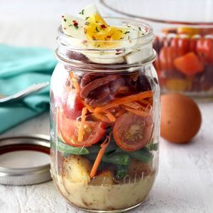 mason jar paleo salad to help with weight loss
