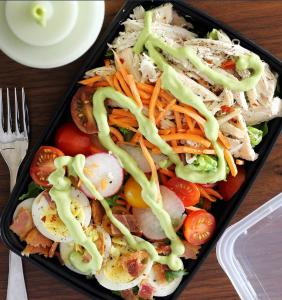 meal prep for weight loss salad with avocado dressing