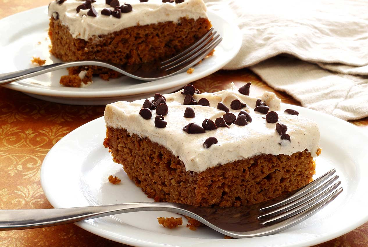 paleo and gluten-free pumpkin cake with frosting recipe
