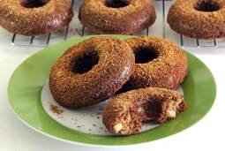 simple paleo and gluten-free recipe for baked apple donuts