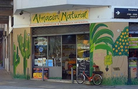 Almacén Natural en la esquina de Bonpland y Soler, Palermo