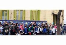Abrazo simbólico a la escuela Amadeo Jacques por falta de presupuesto