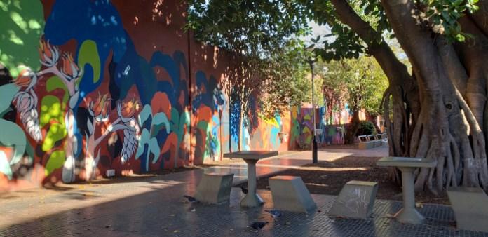 Mesas - Patio John Malcolm en el barrio de Villa Crespo