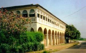 edificio-coloniale_grand_bassam