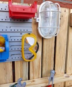 Kinder Werkbank aus Paletten Holz Palettery
