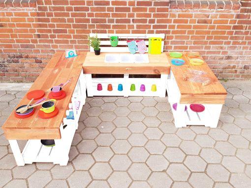 Matschküche-Kinderküche-aus-Paletten-Holz-XLMP-bunt-orange