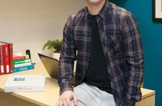 Groza Offers Expert Help in Academics