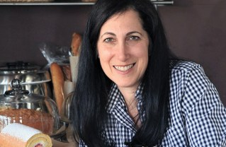 Kim Kedeshian Wins Palisades Rotary's Business Award