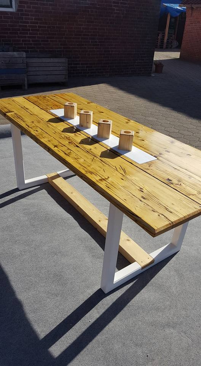 Recycled Wooden Pallet Table Pallet Furniture Projects