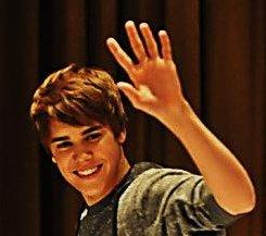 A friendly wave by Justin Bieber