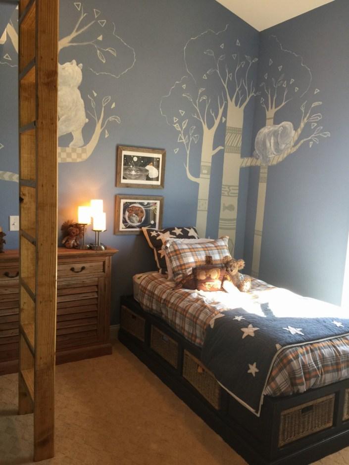 Bear themed child's bedroom