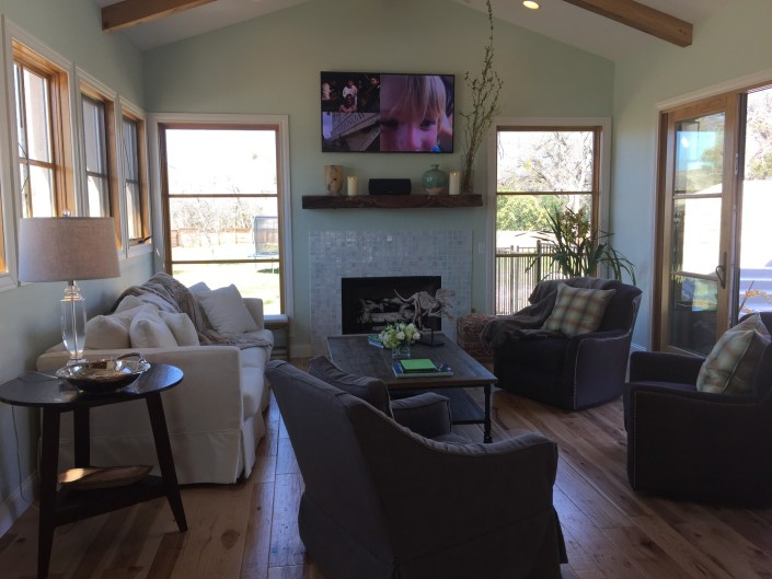 PDD deign home living room