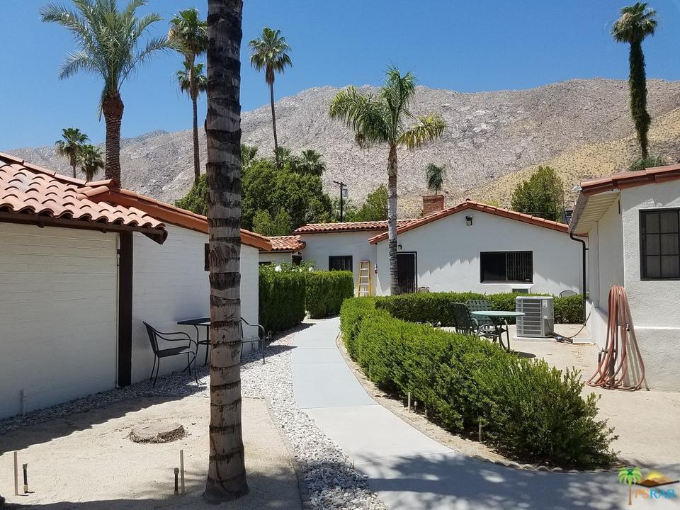 Best Pools in Palm Springs