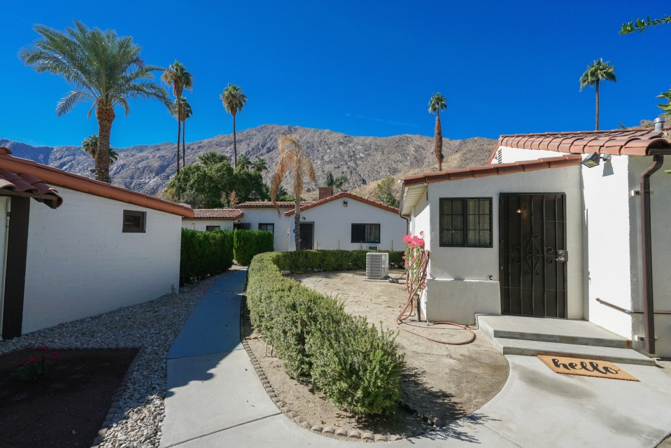Best Cottage Rentals Palm Springs