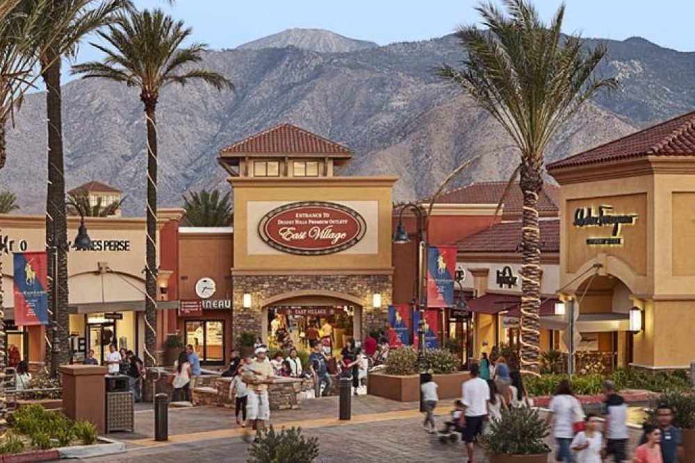 Where to shop palm springs desert-hills-premium-outlets-07